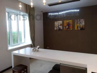 4-комнатная квартира, 190 м², 4/10 этаж, Сарайшык 38 за 69.5 млн 〒 в Нур-Султане (Астана), Есильский р-н — фото 2