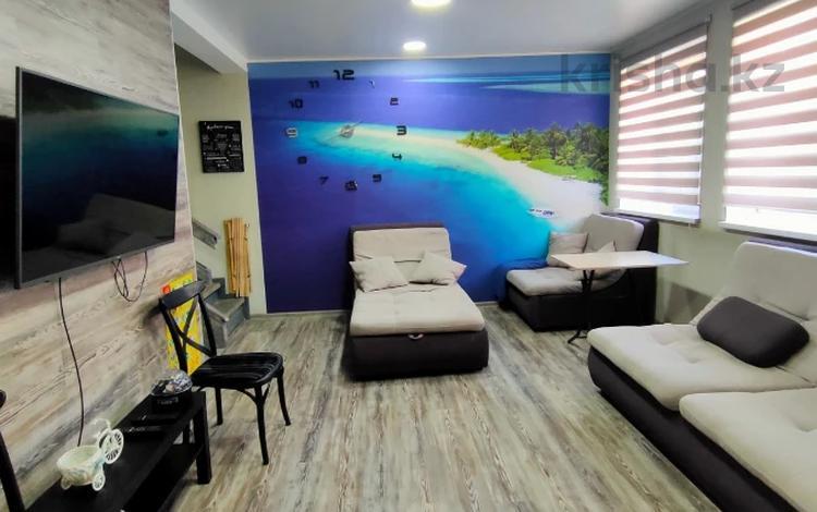 3-комнатный дом помесячно, 100 м², 6 сот., Караева 80 за 360 000 〒 в Алматы, Бостандыкский р-н