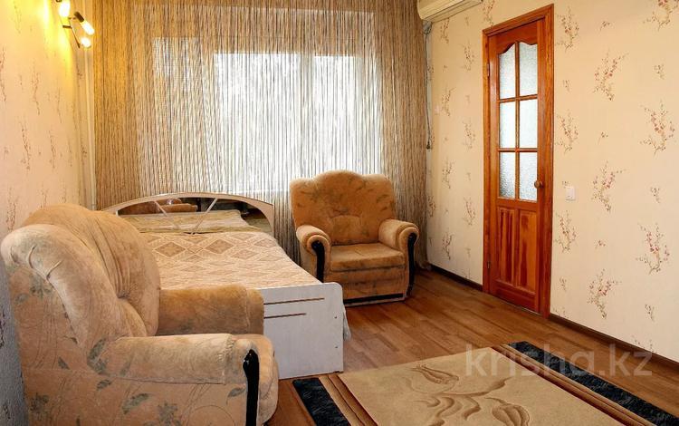 1-комнатная квартира, 40 м², 2/5 этаж посуточно, Мкр. 8 9 за 6 000 〒 в Актау