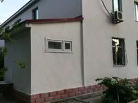 8-комнатный дом помесячно, 220 м²