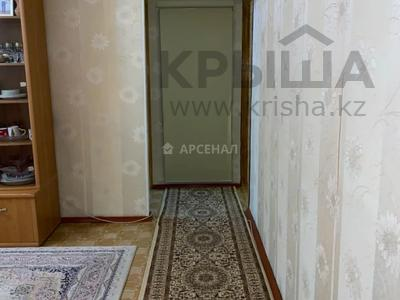 3-комнатная квартира, 58 м², 3/4 этаж, мкр №1, Мкр №1 за 19 млн 〒 в Алматы, Ауэзовский р-н — фото 9