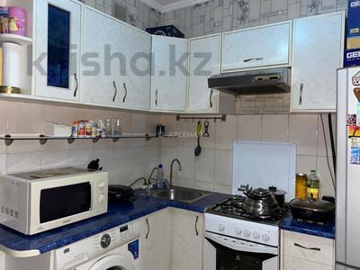 3-комнатная квартира, 58 м², 3/4 этаж, мкр №1, Мкр №1 за 19 млн 〒 в Алматы, Ауэзовский р-н