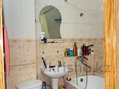 3-комнатная квартира, 58 м², 3/4 этаж, мкр №1, Мкр №1 за 19 млн 〒 в Алматы, Ауэзовский р-н — фото 11