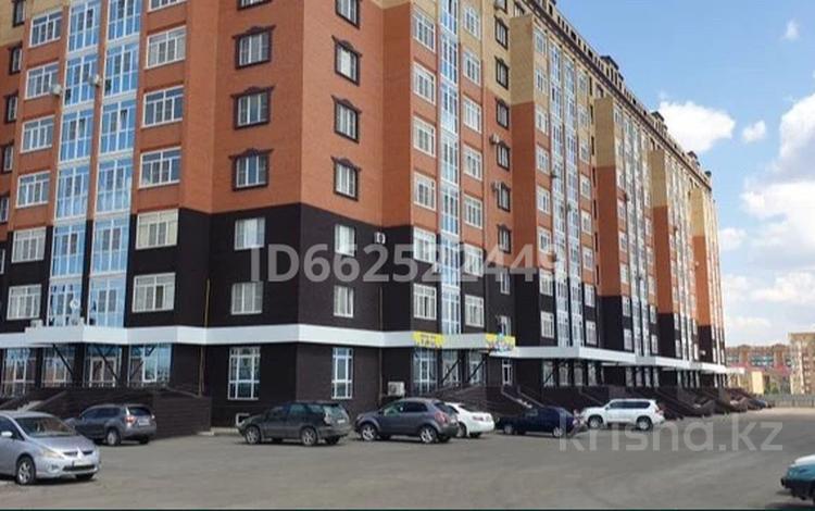4-комнатная квартира, 135 м², 9/10 этаж, Молдагуловой 66/2 за 27.5 млн 〒 в Актобе