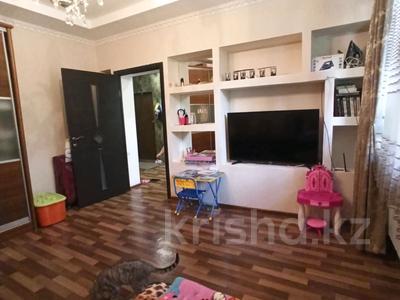 1-комнатная квартира, 35 м², 1/12 этаж, мкр Аксай-1А — Толе би за 13.8 млн 〒 в Алматы, Ауэзовский р-н — фото 2