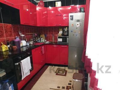 1-комнатная квартира, 35 м², 1/12 этаж, мкр Аксай-1А — Толе би за 13.8 млн 〒 в Алматы, Ауэзовский р-н — фото 3