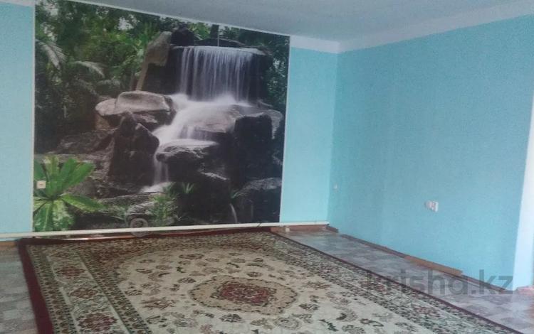 5-комнатный дом, 120 м², 4 сот., Уральск за 20 млн 〒