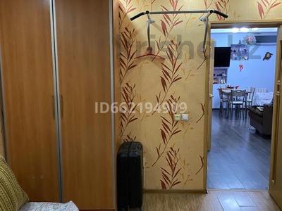 2-комнатная квартира, 50 м², 4/5 этаж, мкр Центральный 49а за 23 млн 〒 в Атырау, мкр Центральный
