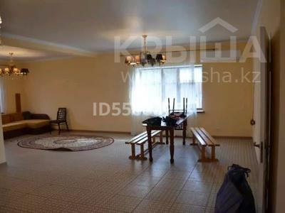 4-комнатный дом, 199 м², 5 сот., Старый город, База отдыха Тау за 20 млн 〒 в Актобе, Старый город