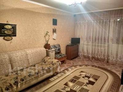 2-комнатная квартира, 44.7 м², 4/5 этаж, 15 микрорайон 12 за 6.5 млн 〒 в Караганде, Октябрьский р-н