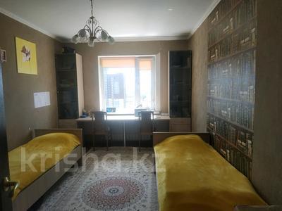 3-комнатная квартира, 91 м², 16/17 этаж, проспект Шахтёров 60 за 24.5 млн 〒 в Караганде, Казыбек би р-н