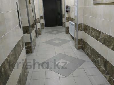 3-комнатная квартира, 91 м², 16/17 этаж, проспект Шахтёров 60 за 24.5 млн 〒 в Караганде, Казыбек би р-н — фото 9