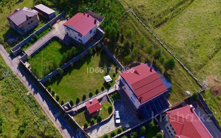 5-комнатный дом, 280 м², 18.5 сот., Мичурина за ~ 89.2 млн 〒 в