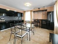 4-комнатный дом помесячно, 150 м², 6 сот.