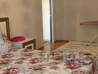 1-комнатная квартира, 55 м², 5/7 этаж посуточно, Сатпаева 2 Г за 8 000 〒 в Атырау — фото 3