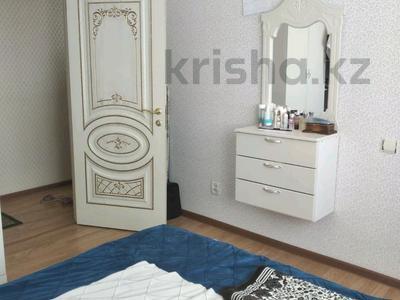 2-комнатная квартира, 54 м², 17/25 этаж, Абая 92/2 за 19.5 млн 〒 в Нур-Султане (Астане), Алматы р-н