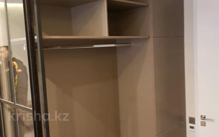 3-комнатная квартира, 100 м², 1/3 этаж, Жамакаева Бекена (60 лет комсомола) — Аль-Фараби за 110 млн 〒 в Алматы, Медеуский р-н