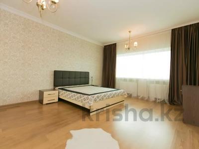 3-комнатная квартира, 130 м², 11/41 этаж посуточно, Достык 5 — Акмешет за 20 000 〒 в Нур-Султане (Астана), Есиль р-н