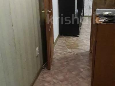 2-комнатная квартира, 43 м², 4/5 этаж, мкр Аксай-2 за 14.5 млн 〒 в Алматы, Ауэзовский р-н — фото 5