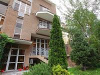 6-комнатный дом, 300 м², 1 сот.