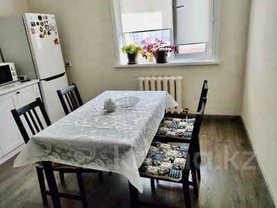2-комнатная квартира, 80 м², 7/12 этаж, Кабанбай батыра 40 за 35 млн 〒 в Нур-Султане (Астане)