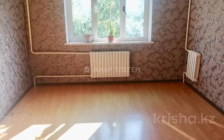 1-комнатная квартира, 40 м², 4/5 этаж, мкр Мамыр-2 10 за 15 млн 〒 в Алматы, Ауэзовский р-н