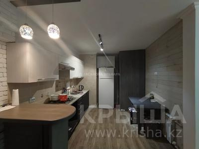 3-комнатная квартира, 69 м², 3/7 этаж помесячно, Толе би 160 — Ауэзова за 150 000 〒 в Алматы, Алмалинский р-н — фото 2