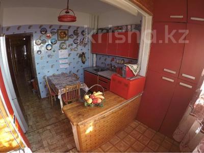 3-комнатная квартира, 65 м², 9/9 этаж, мкр Аксай-2А, Бауыржана Момышулы — Толе Би (Комсомольская) за 18.4 млн 〒 в Алматы, Ауэзовский р-н — фото 2