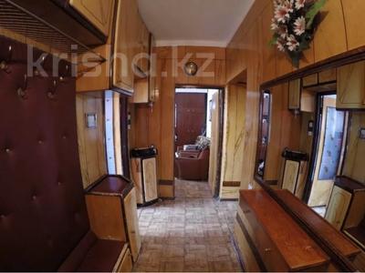 3-комнатная квартира, 65 м², 9/9 этаж, мкр Аксай-2А, Бауыржана Момышулы — Толе Би (Комсомольская) за 18.4 млн 〒 в Алматы, Ауэзовский р-н — фото 3