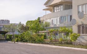 """4-комнатная квартира, 156 м², 2/3 этаж, 4А мкр, 1 микрорайон № 22""""В"""" — Геологов за 50 млн 〒 в Актау, 4А мкр"""