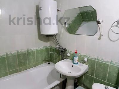 1-комнатная квартира, 35 м², 2/5 этаж посуточно, Академика сатпаева 36 за 6 000 〒 в Павлодаре — фото 7