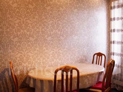 2-комнатная квартира, 90 м², 6/9 этаж посуточно, проспект Алии Молдагуловой 13 за 9 000 〒 в Актобе, мкр 5