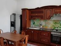 8-комнатный дом, 210 м², 6.5 сот.