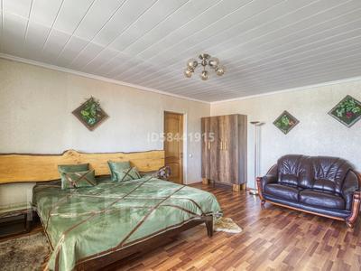 4-комнатный дом посуточно, 200 м², Табаган за 70 000 〒 в  — фото 18