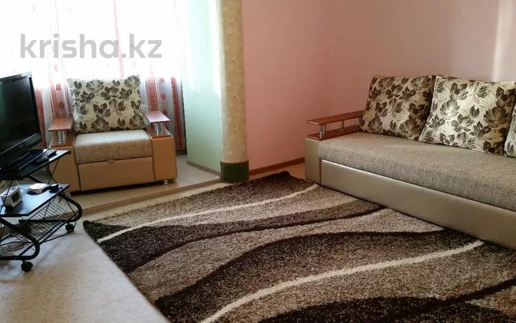 2-комнатная квартира, 50 м², 5/9 этаж посуточно, Шакарима 20 — Дулатова за 7 000 〒 в Семее