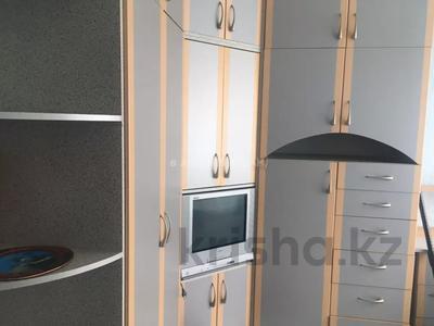 3-комнатная квартира, 60 м², 5/5 этаж, Габдуллина 1 за 15.5 млн 〒 в Нур-Султане (Астана), Алматинский р-н — фото 4