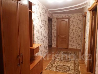 3-комнатная квартира, 150 м², 3/9 этаж помесячно, Новый город, Абулхаир хана 61 б за 160 000 〒 в Актобе, Новый город