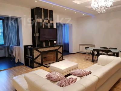 4-комнатная квартира, 200 м², 2/5 этаж помесячно, Омаровой 27 за 500 000 〒 в Алматы, Медеуский р-н