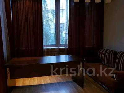 4-комнатная квартира, 200 м², 2/5 этаж помесячно, Омаровой 27 за 500 000 〒 в Алматы, Медеуский р-н — фото 14