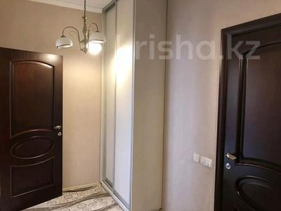4-комнатная квартира, 200 м², 2/5 этаж помесячно, Омаровой 27 за 500 000 〒 в Алматы, Медеуский р-н — фото 4