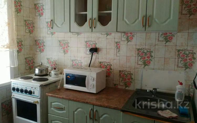 2-комнатная квартира, 45 м², 1/5 этаж посуточно, Ленина 30 — Байсеитовой за 7 000 〒 в Балхаше