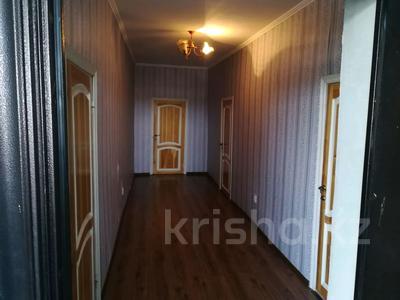 9-комнатный дом, 450 м², 10 сот., Алимбетова 258 — Сайрамская за 40 млн 〒 в Шымкенте, Енбекшинский р-н