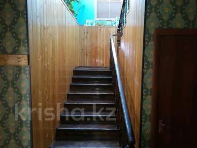 9-комнатный дом, 450 м², 10 сот., Алимбетова 258 — Сайрамская за 40 млн 〒 в Шымкенте, Енбекшинский р-н — фото 18