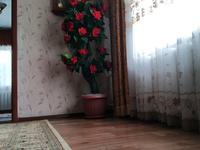 4-комнатный дом, 100 м², 10 сот., Учительская 20 за 5.5 млн 〒 в Караганде, Октябрьский р-н