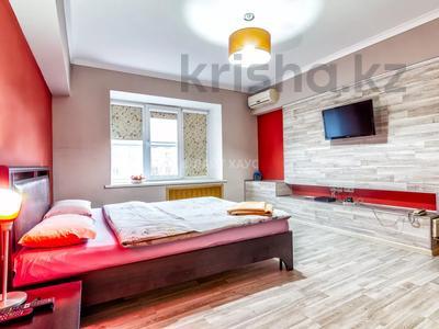1-комнатная квартира, 37 м², 4/5 этаж посуточно, Маметовой 22 — Панфилова за 10 000 〒 в Алматы, Алмалинский р-н