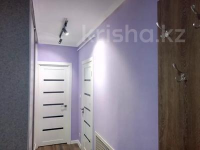 3-комнатная квартира, 80 м², 11/13 этаж помесячно, Ленина 61/2 за 250 000 〒 в Караганде, Казыбек би р-н — фото 5
