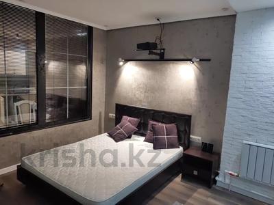 3-комнатная квартира, 80 м², 11/13 этаж помесячно, Ленина 61/2 за 250 000 〒 в Караганде, Казыбек би р-н — фото 8
