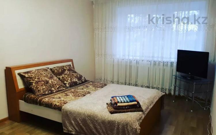 1-комнатная квартира, 35 м², 2/5 этаж посуточно, Ломова 44 — Абая за 7 000 〒 в Павлодаре