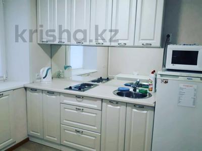1-комнатная квартира, 35 м², 2/5 этаж посуточно, Ломова 44 — Абая за 7 000 〒 в Павлодаре — фото 2