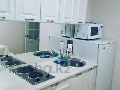 1-комнатная квартира, 35 м², 2/5 этаж посуточно, Ломова 44 — Абая за 7 000 〒 в Павлодаре — фото 3